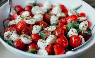 I consumi alimentari hanno visto un crollo nei prodotti tipici della dieta mediterranea