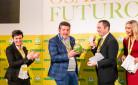 Ministro Spadafora consegna l'Oscar Green a Luca Cammarata per la categoria Noi per il sociale